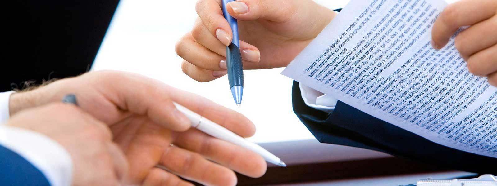 I rischi della gestione cartacea privacy: avvocatessa riutilizza fogli già stampati con i dati sensibili di clienti passati